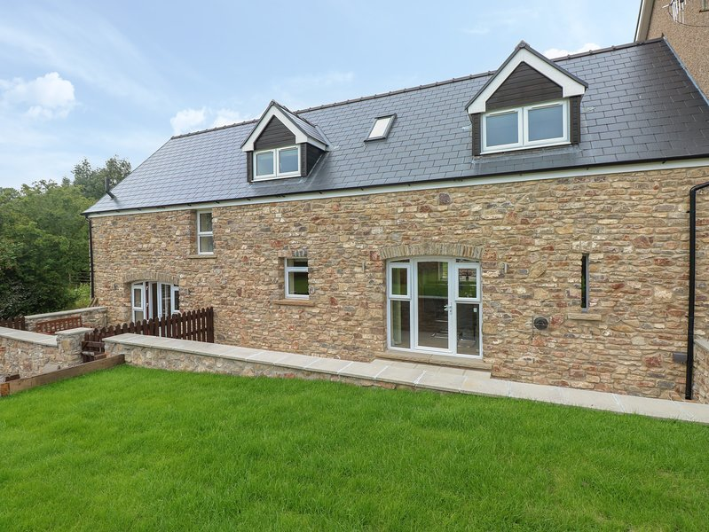 Woodpecker Barn, Pontyclun, vacation rental in Vale of Glamorgan