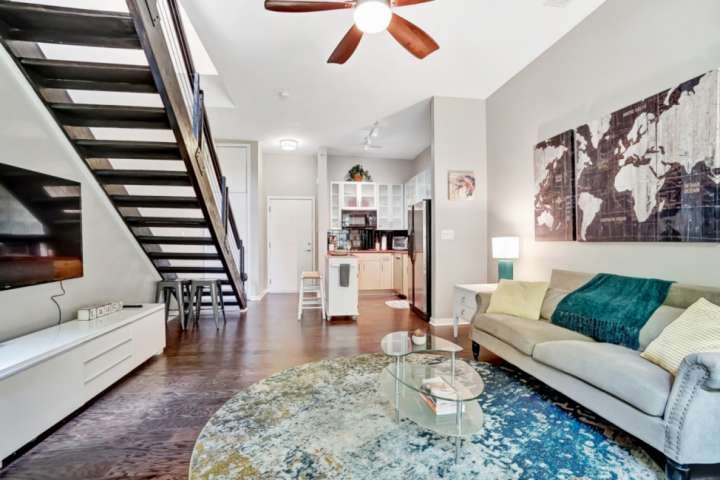 Loft features high ceilings in the living room and bedroom with plenty windows that provide radiant natural light.