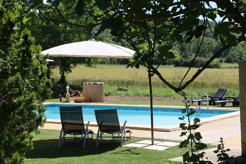 Domaine de Pouroutounat, stunning property sleeping 6, 11 or 16, vacation rental in Mirepoix