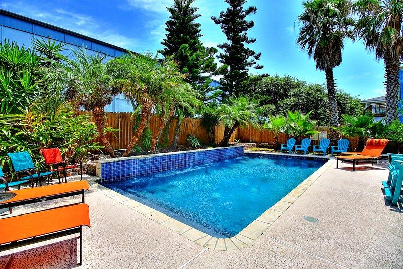 Belle Isle Villa - PRIVATE POOL! Perfect for large groups!, location de vacances à Port Aransas