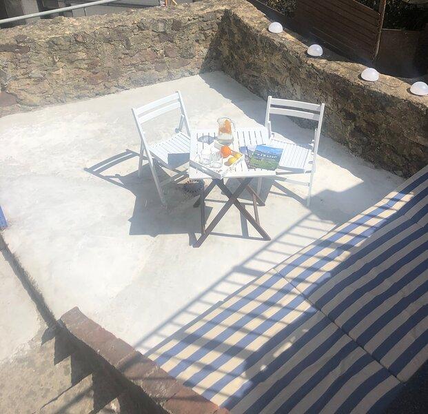 La casa muy central y cerca de la playa con terassa luminosa solo para ti!, alquiler de vacaciones en Candás