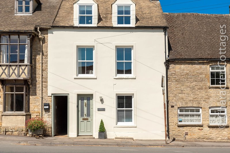 Copperbeech is a stunning Victorian townhouse moments away from Stow-on-the-Wold, vacation rental in Upper Oddington