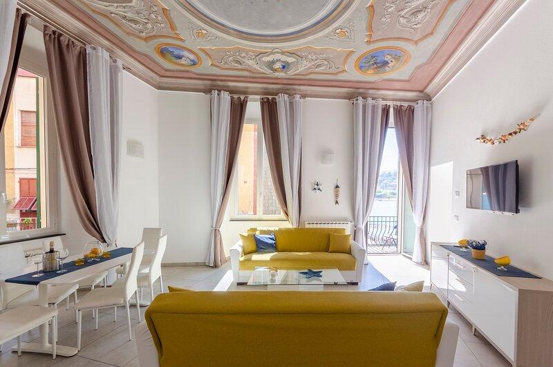 La Casa Rosa al Mare apartment 1b/2b with balcony, holiday rental in Rapallo