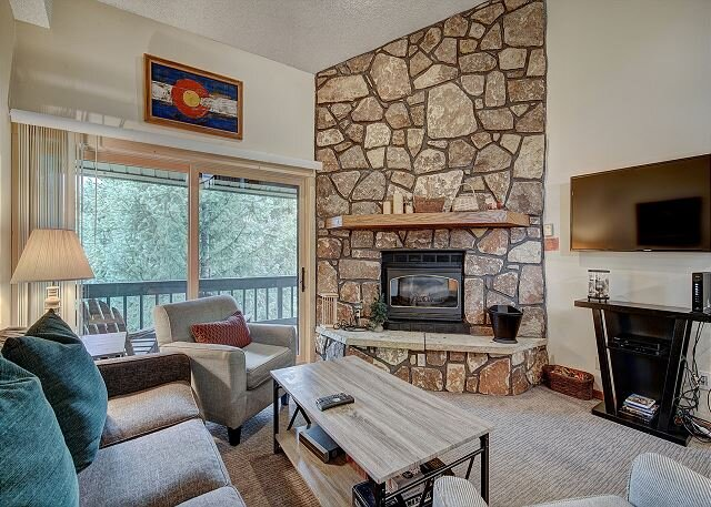 Atrium 304 Condo: Downtown Breck, Spacious!, vacation rental in Breckenridge