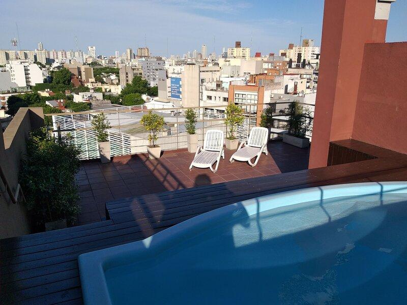 Moderno con Balcón y Piscina, location de vacances à El Palomar