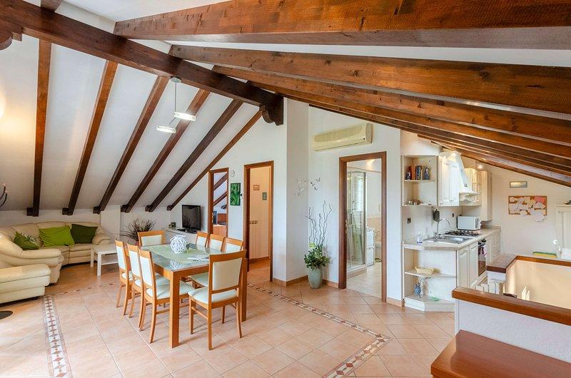 Ca du Pescou, apartment 90 mq 2b/1b with parking living balcony, holiday rental in Rapallo
