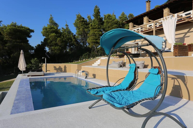VILLAS GUEST HOUSE 1/ PLACE DES DIEUX / ΚΤΗΜΑ ΚΟΥΡΚΟΥΔΙΑΛΟΥ, holiday rental in Loutra
