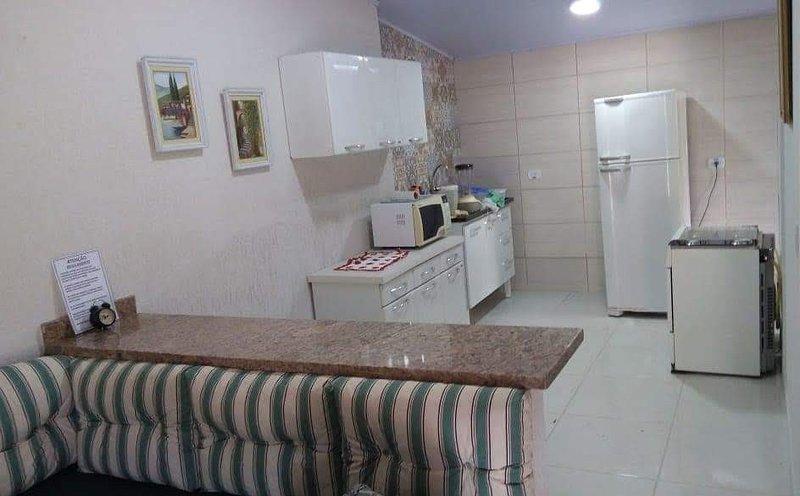 Casa em Maranduba Ubatuba 200metros da praia e dos comércios, location de vacances à Maranduba