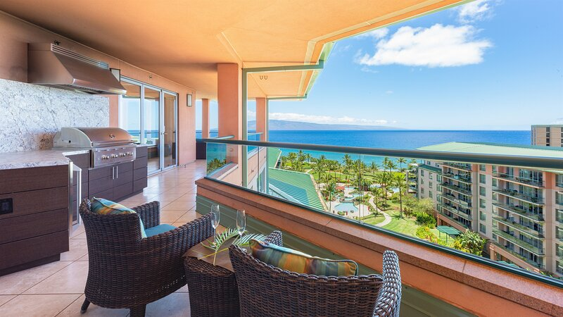Maui Westside Properties - 3 Bed Penthouse Gorgeous Ocean Views w/Private BBQ, location de vacances à Ka'anapali