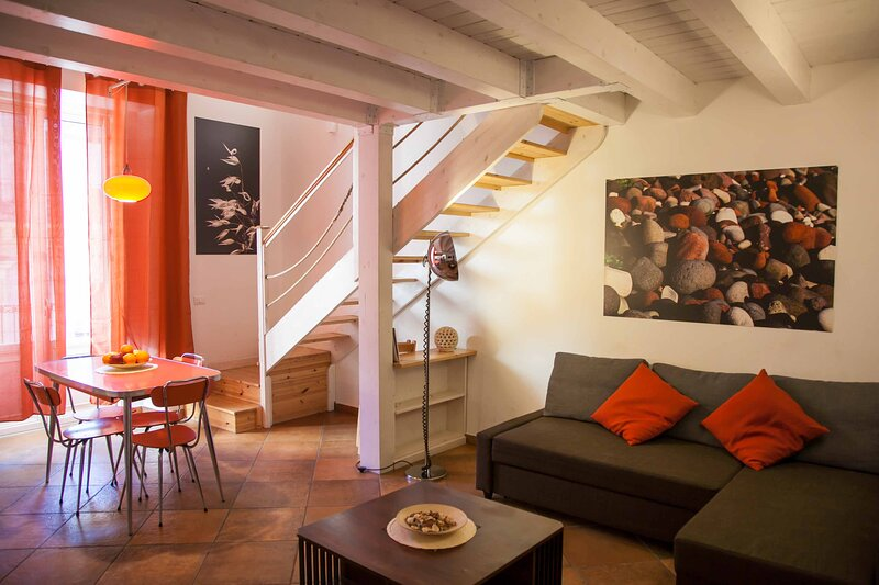Naturalliving Terra - Holiday House - Catania Center, holiday rental in Raddusa