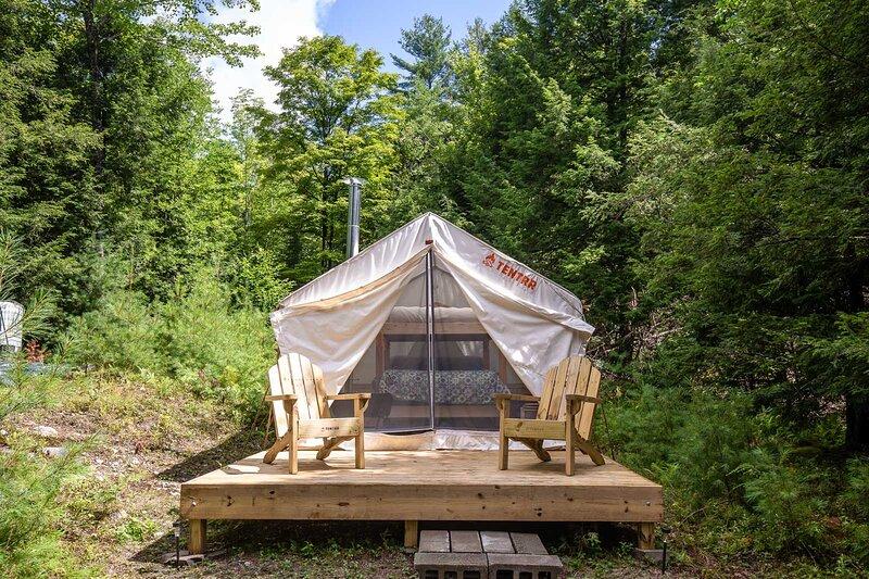 Tentrr Signature Site - Pucker Ridge Farm, location de vacances à Bolton Landing