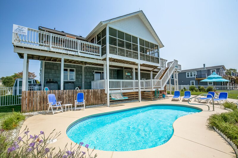 Cherish the Day   2300 ft from the beach   Private Pool, alquiler de vacaciones en Virginia Beach