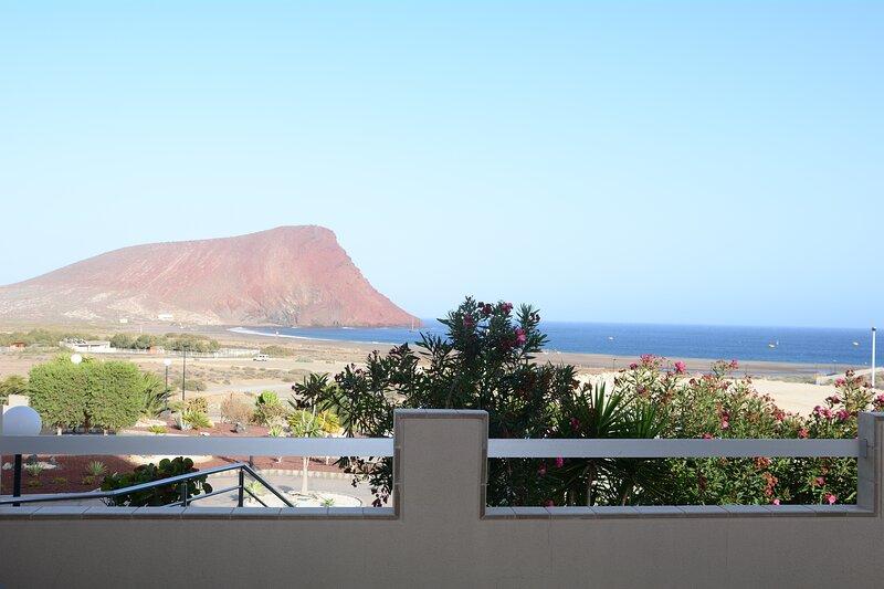 Luxury Apartment Calle Pizarro Tenerife II, holiday rental in La Tejita
