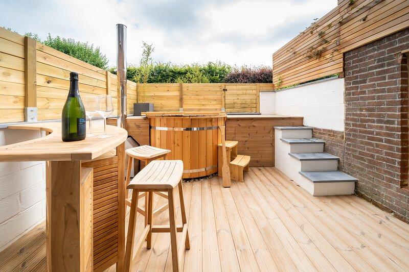 Ô17 endroit calme avec terrasse et bain nordique, holiday rental in Isnes