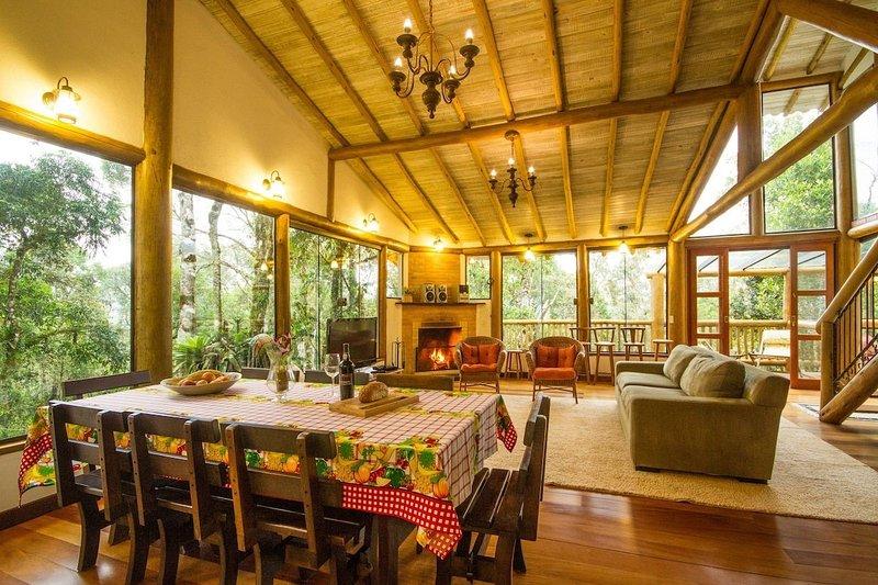 Casa Quinta dos Bons Ventos - Aconchego em Campos de Jordão, holiday rental in Campos Do Jordao