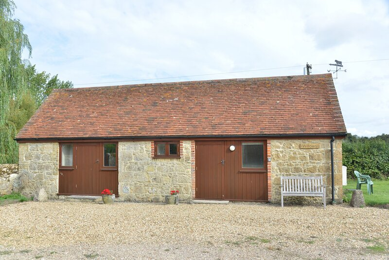 Willows, holiday rental in Brighstone