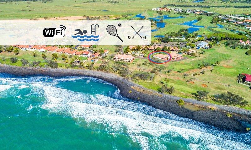 Beautiful Beach Villa with Coastal View, vacation rental in Burnett Heads