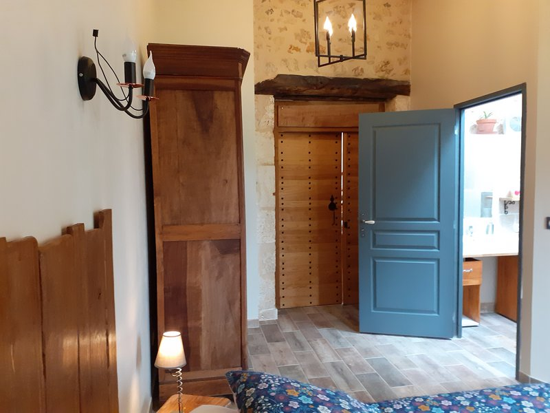 Domaine du Pompinaud 3 chambres accessibles PMR accueil cavaliers, attelages, holiday rental in Jauldes
