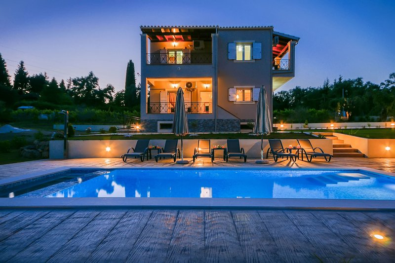CORFU VILLA COMPASS, vacation rental in Pyrgi