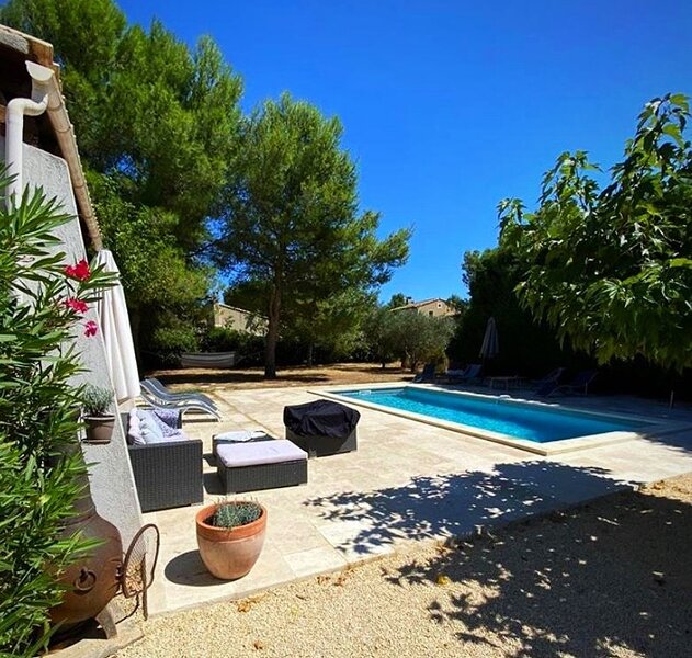 Fabulous Private Villa in Provence with Pool - Sleeps 13, vacation rental in Molleges
