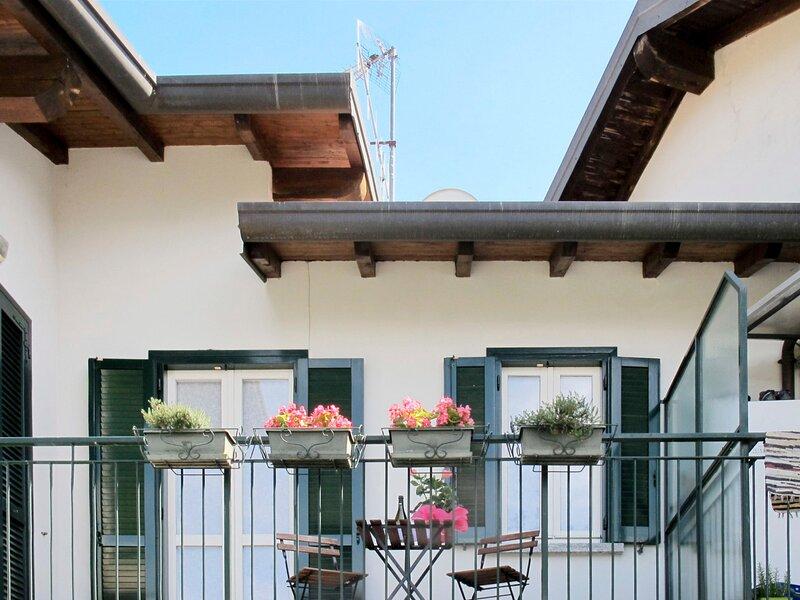 Gia (BLL240), vacation rental in Pradello