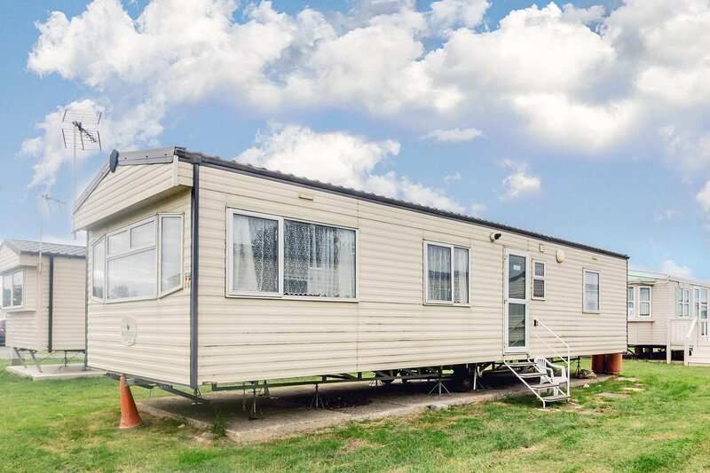 6 berth caravan for hire for hire at st osyths  Clacton-on-sea, Essex ref 28077G, holiday rental in Clacton-on-Sea