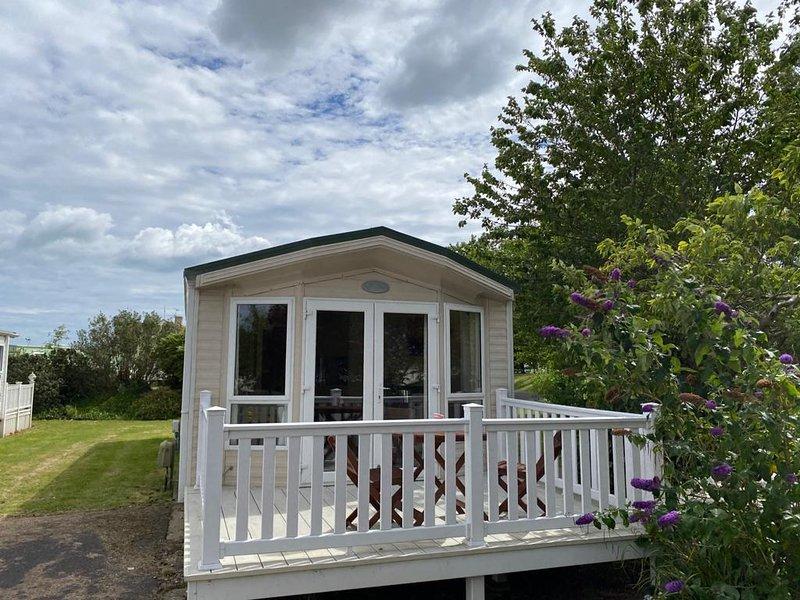 Lovely 6 berth caravan at Southview Holiday Park in Skegness ref 33024O, aluguéis de temporada em Burgh le Marsh