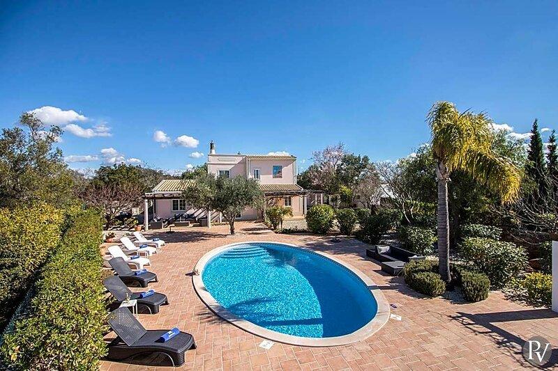 Pedragosa Villa Sleeps 6 with Pool Air Con and WiFi - 5870223, location de vacances à Querenca