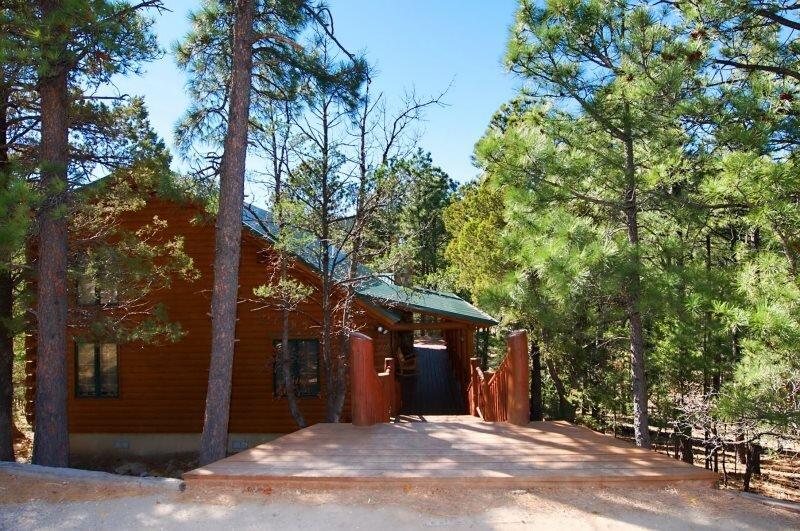 The Grizz  The Grizz - Cozy Cabins Real Estate, LLC., alquiler de vacaciones en Alto