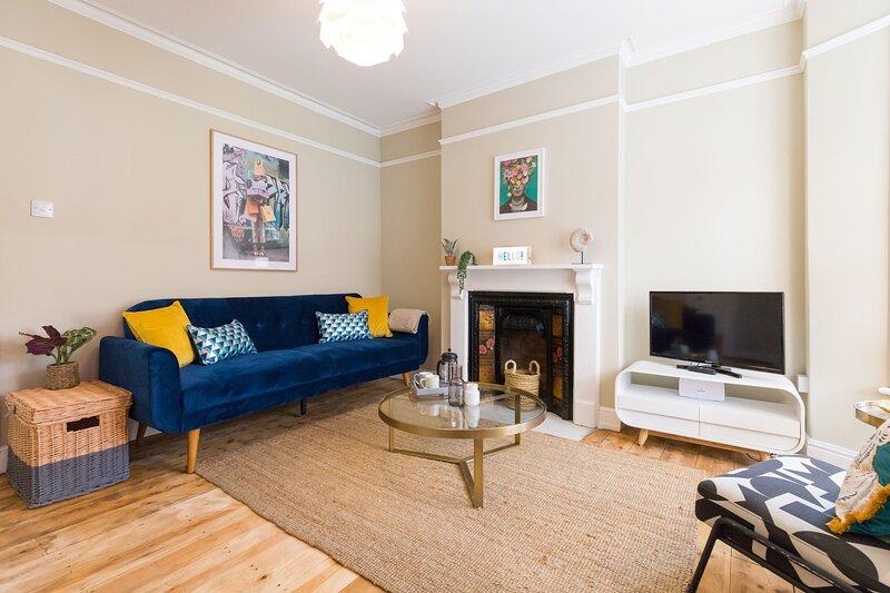 Henrietta House | Modern, stylish home walking distance to Norwich City centre!, location de vacances à Hethersett