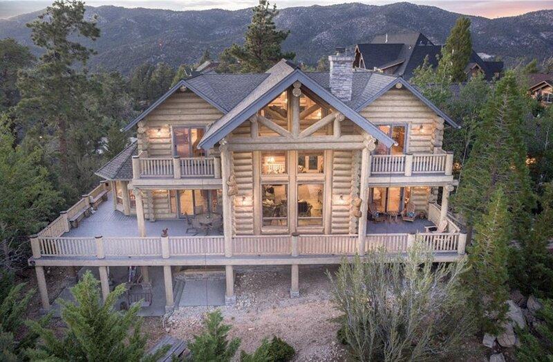 18 - PENTICTON LODGE - Luxury Full-Log Cabin with Amazing Veiws, vacation rental in Moonridge