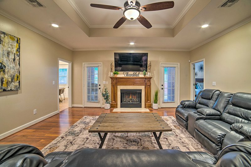NEW! Charming Columbus Home w/ Game Room, Near AFB, vacation rental in Columbus