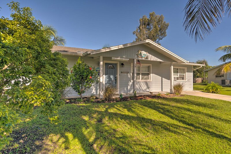 Home Across from Anna Maria Island - Small Pet Ok!, vacation rental in Cortez