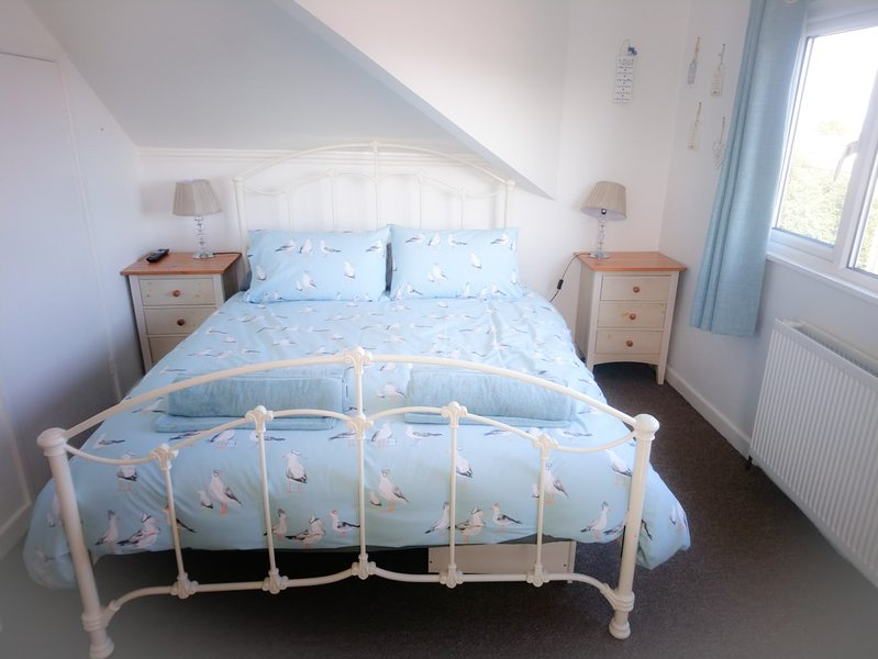 holiday cottage by the sea, holiday rental in Benllech