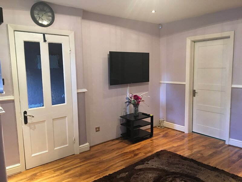 Four Columns Lodgings; Your Comfort, Our Priority., vacation rental in Rochdale