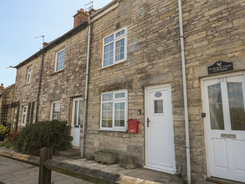 Higgledy Piggledy Cottage, Swanage, holiday rental in Worth Matravers