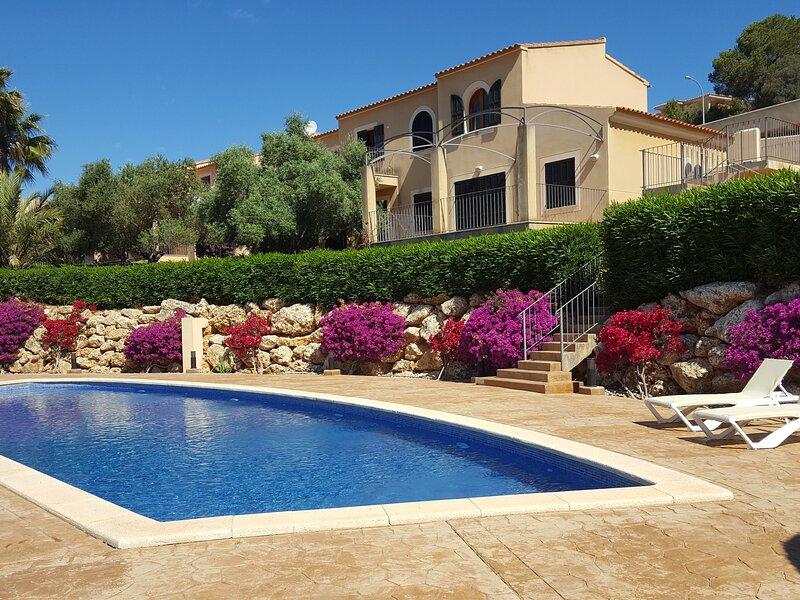 Casa Josemar - House with pool next to the beach in Cala Romantica, vacation rental in Cala Mandia