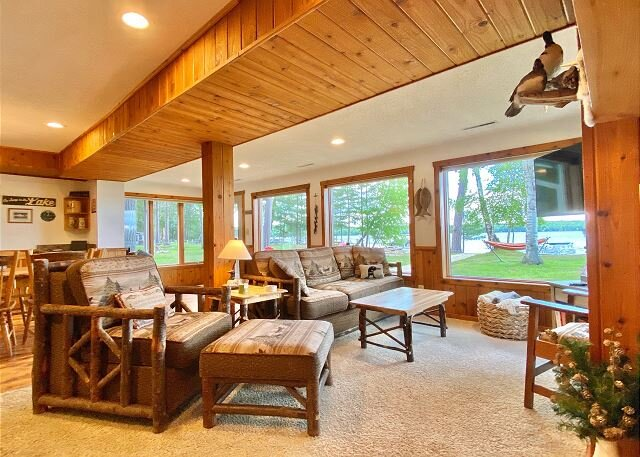 Loon Watch - Hiller Vacation Homes - 4 bedroom, 2 bath home - Free WIFI, holiday rental in Star Lake