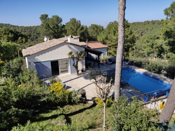 Luxury villa, close to the centre of Begur with private pool for 9 people, holiday rental in Regencos