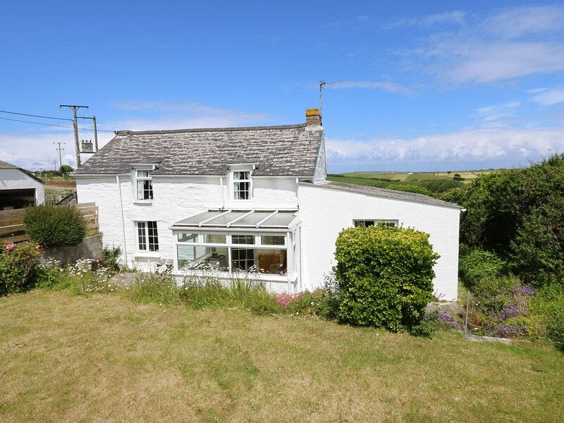 A newly refurbished Cornish country cottage near Padstow, location de vacances à Porthcothan