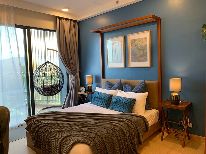 Deluxe Holiday Studio Suite Timurbay w/ Seaview, vacation rental in Balok