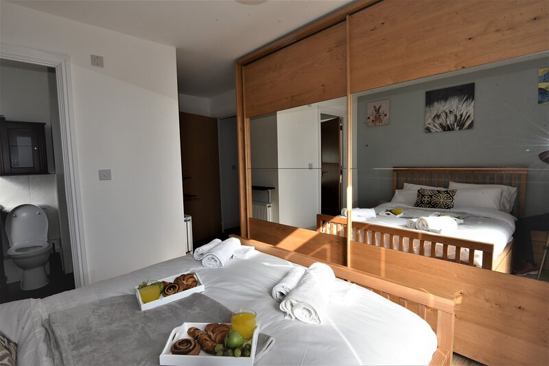 Hughenden Garden Luxury Apartment, location de vacances à Saunderton