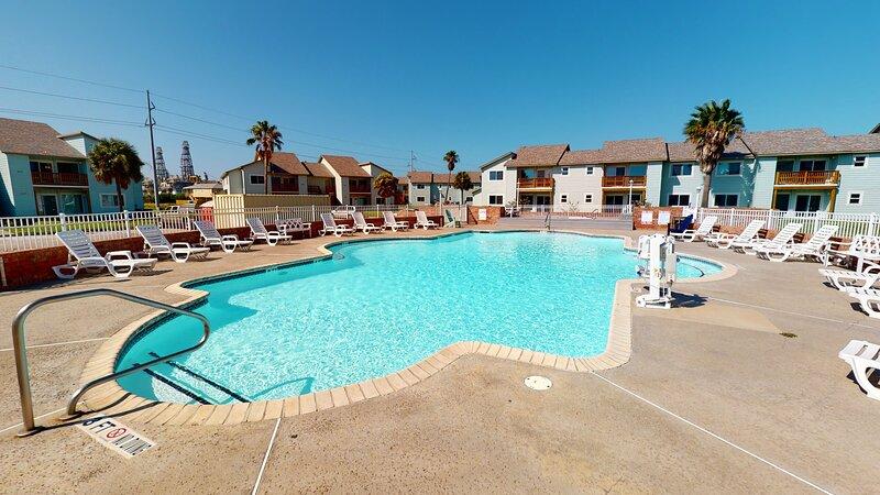 Resort,Hotel,Building,Water,Pool