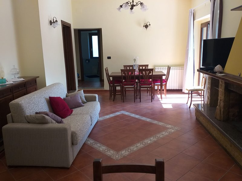 Apartment with mountain view, vacation rental in San Giovanni in Fiore
