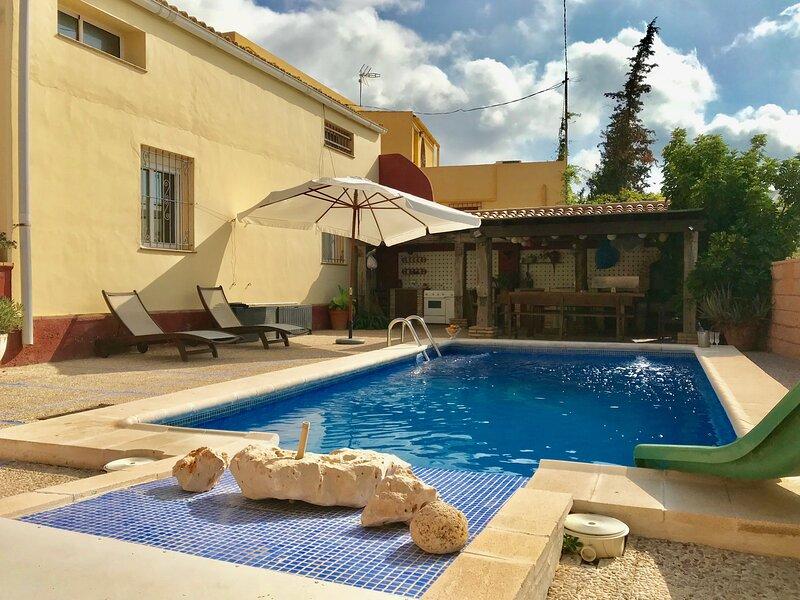 Amazing villa with swimming-pool, holiday rental in La Murada
