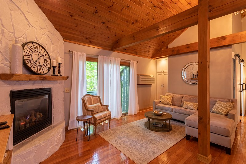 Peaceful Retreat at Yonahlossee, holiday rental in Boone