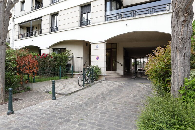 Very Pleasant Apartment with Garden, vacation rental in Val-de-Marne