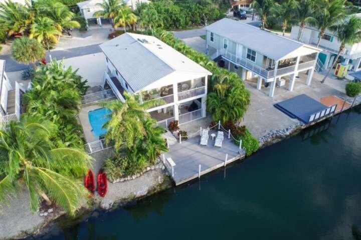 TROPICAL TREASURES - Beautiful Canal Front Home On Cudjoe Key With Quick Open Wa, aluguéis de temporada em Sugarloaf
