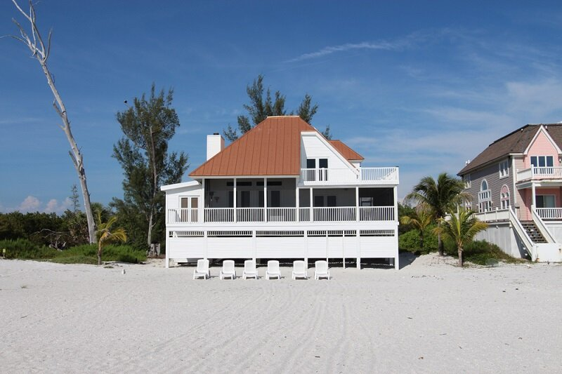 Villa Island Getaway - ALL INCLUDED! Beach villa w. boat included in the price., holiday rental in Pineland
