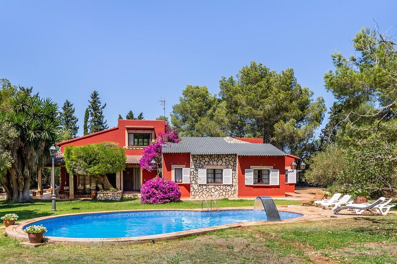 Amazing villa with swimming-pool, vacation rental in El Arenal